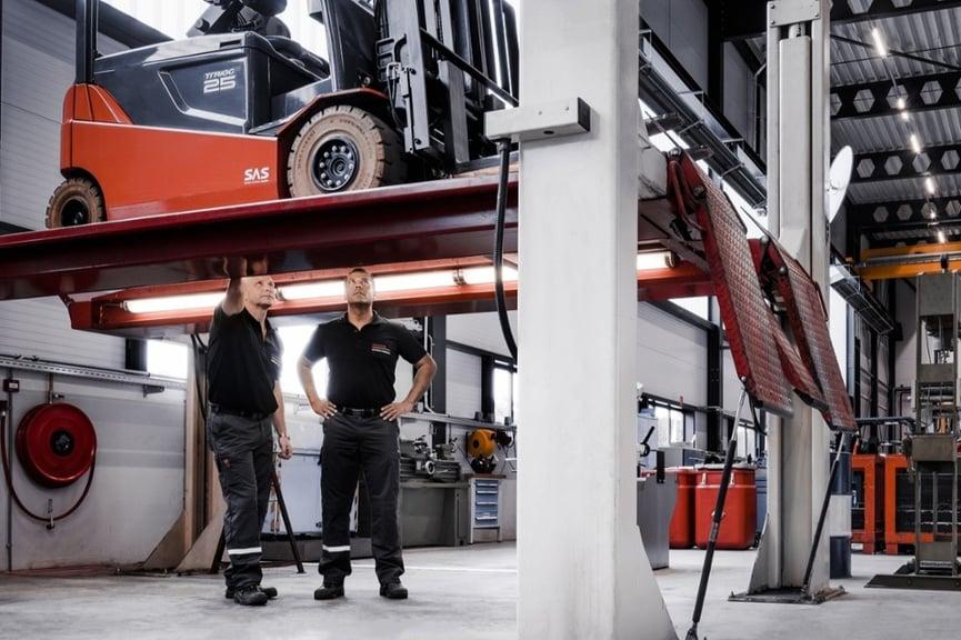 service-technician-in-the-warehouse